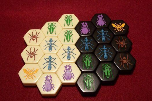 800px-hive-pieces-1